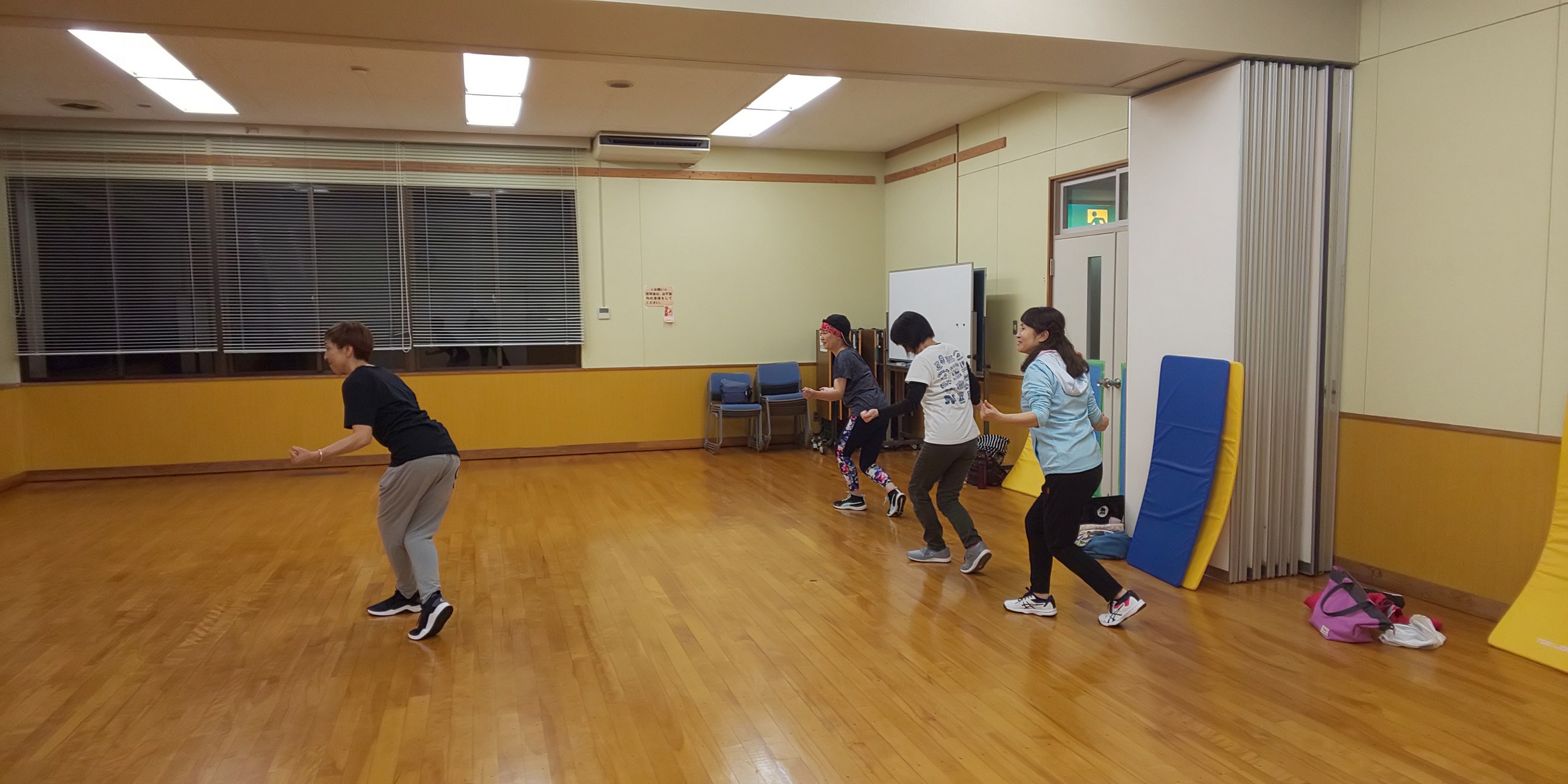 かんたんエアロダンス&リラクゼーションストレッチ @ 三和スポーツセンター